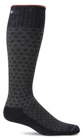 Shadowbox graduated compression sock in black