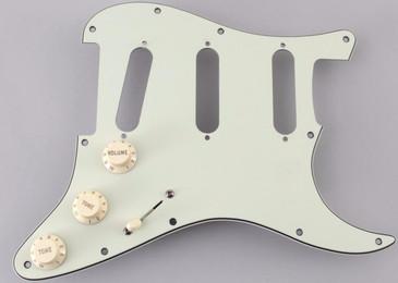 Fender MIM Stratocaster SSS Pickguard OS-4834