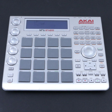 Akai Professional MPC Studio (Silver) Music Production Controller OS-8310