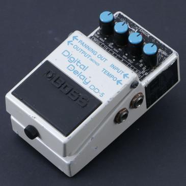 Boss DD-5 Digital Delay Guitar Effects Pedal P-07119