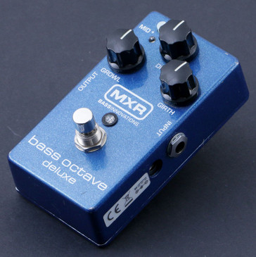 MXR M288 Bass Octave Deluxe Bass Guitar Effects Pedal P-07114