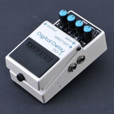 Boss DD-3 Digital Delay Guitar Effects Pedal P-07142