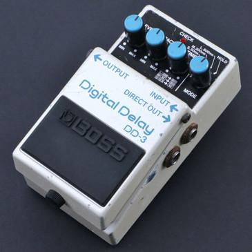 Boss DD-3 Digital Delay Guitar Effects Pedal P-07159