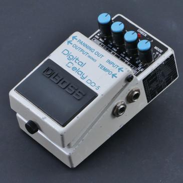 Boss DD-5 Digital Delay Guitar Effects Pedal P-07185