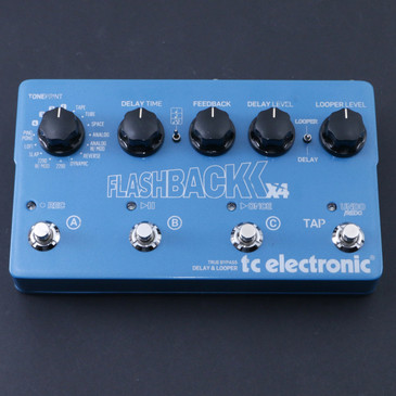 TC Electronic Flashback X4 Delay / Looper Guitar Effects Pedal P-07255