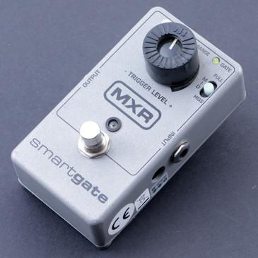 MXR M135 Smart Gate Noise Gate Guitar Effects Pedal P-07510