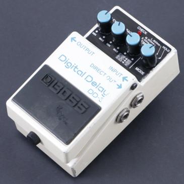 Boss DD-3 Digital Delay Delay Guitar Effects Pedal P-08011
