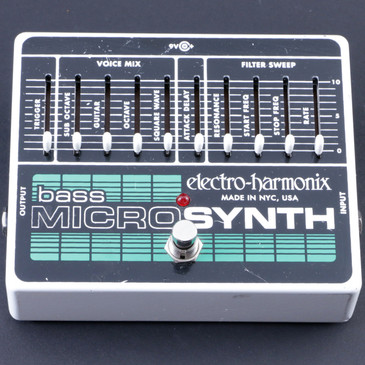 Electro-Harmonix Bass Micro Synth Synthesizer Bass Guitar Effects Pedal P-08036