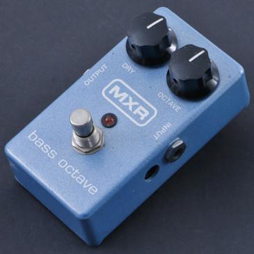 MXR M88 Bass Octave  Bass Guitar Effects Pedal P-08054