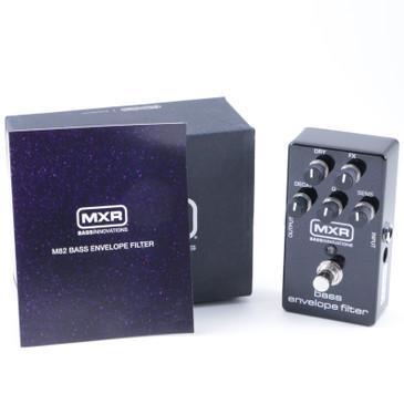 MXR M82 Bass Envelope Filter  Bass Guitar Effects Pedal P-08059
