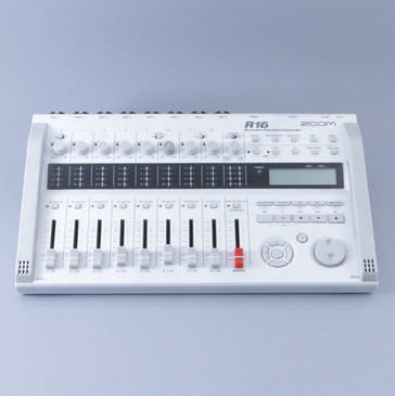 Zoom R16 Recorder: Interface Recording Mixer *No Power Supply* P-08382