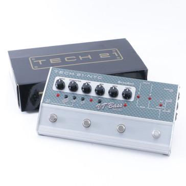 Tech 21 VT Bass Deluxe Bass Multi-Effects & DI Pedal P-08461