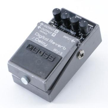 Boss RV-3 Digital Reverb Guitar Effects Pedal P-08571