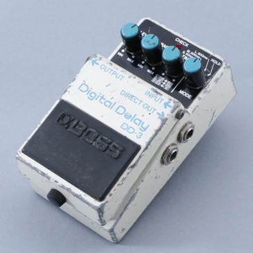 Boss DD-3 Digital Delay Guitar Effects Pedal P-08729