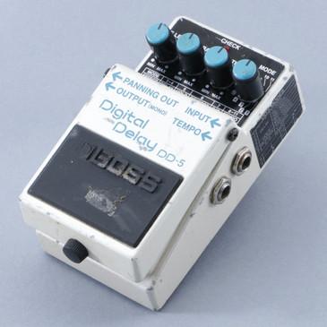 Boss DD-5 Digital Delay Guitar Effects Pedal P-08728