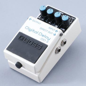 Boss DD-3 Digital Delay Guitar Effects Pedal P-08756