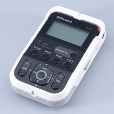 Roland R-07 Portable Audio Recorder OS-8663