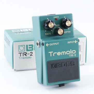 Boss TR-2 Tremolo Guitar Effects Pedal P-09433