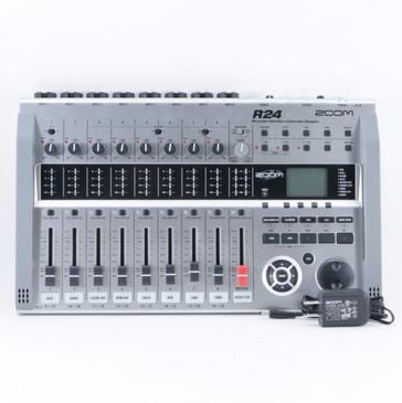 Zoom R24 Recorder: Interface: Controller: Sampler OS-8886