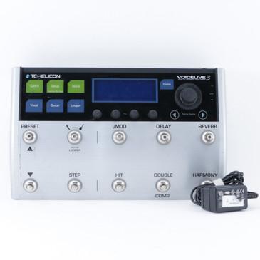 TC Helicon VoiceLive 3 Vocal Multi-Effects Pedal & PSA P-10056