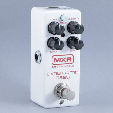 MXR Dyna Comp Bass M282 Compression Guitar Effects Pedal P-10144