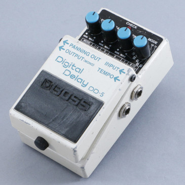 Boss DD-5 Digital Delay Guitar Effects Pedal P-10418