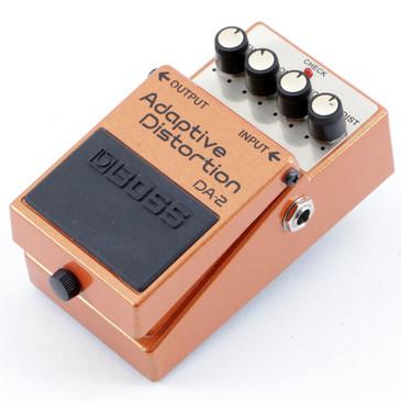 Boss DA-2 Adaptive Distortion Guitar Effects Pedal P-10470