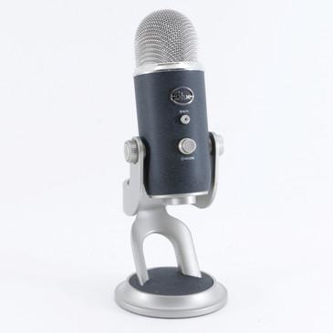 Blue Yeti Pro Condenser Multi-Pattern Microphone MC-4247
