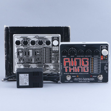 Electro-Harmonix Ring Thing Modulation Guitar Effects Pedal P-11227