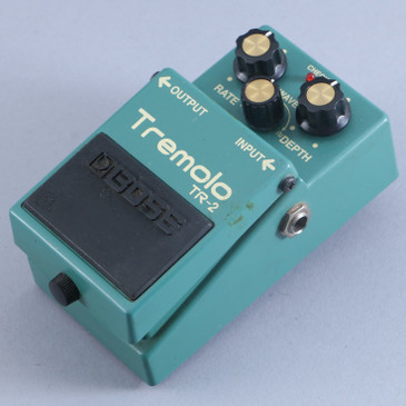 Boss TR-2 Tremolo Guitar Effects Pedal P-13802