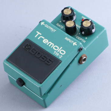 Boss TR-2 Tremolo Guitar Effects Pedal P-13883