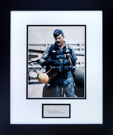 robin-olds-in-flight-suit-2-92304.1453220225.380.500.jpg