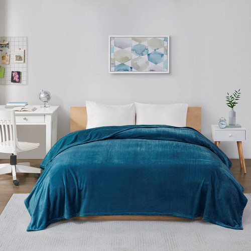 Teal Blue Ultra Soft Plush Oversized Lofty Blanket (Microlight Plush-Teal-Blanket)
