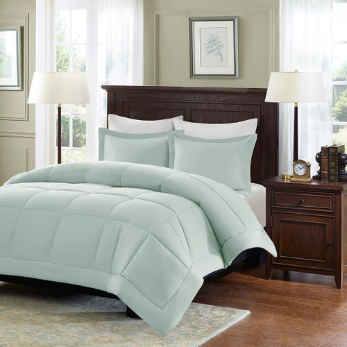 Seafoam Microcell Down Alternative Comforter and Pillow Shams (Sarasota-Seafoam)