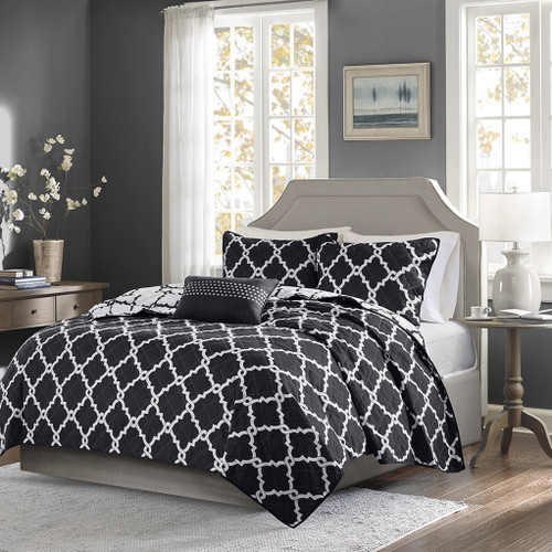 Black & White Reversible Fretwork Comforter Set AND Decorative Pillow (Merritt-Black-Cov)