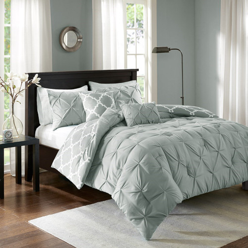 5pc Grey & White Reversible Fretwork Comforter Set AND Decorative Pillows (Kasey-Grey)