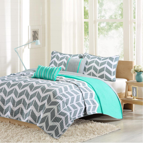 Grey White & Teal Chevron Reversible Coverlet Quilt Set AND Decorative Pillows (Nadia-Teal-cov)