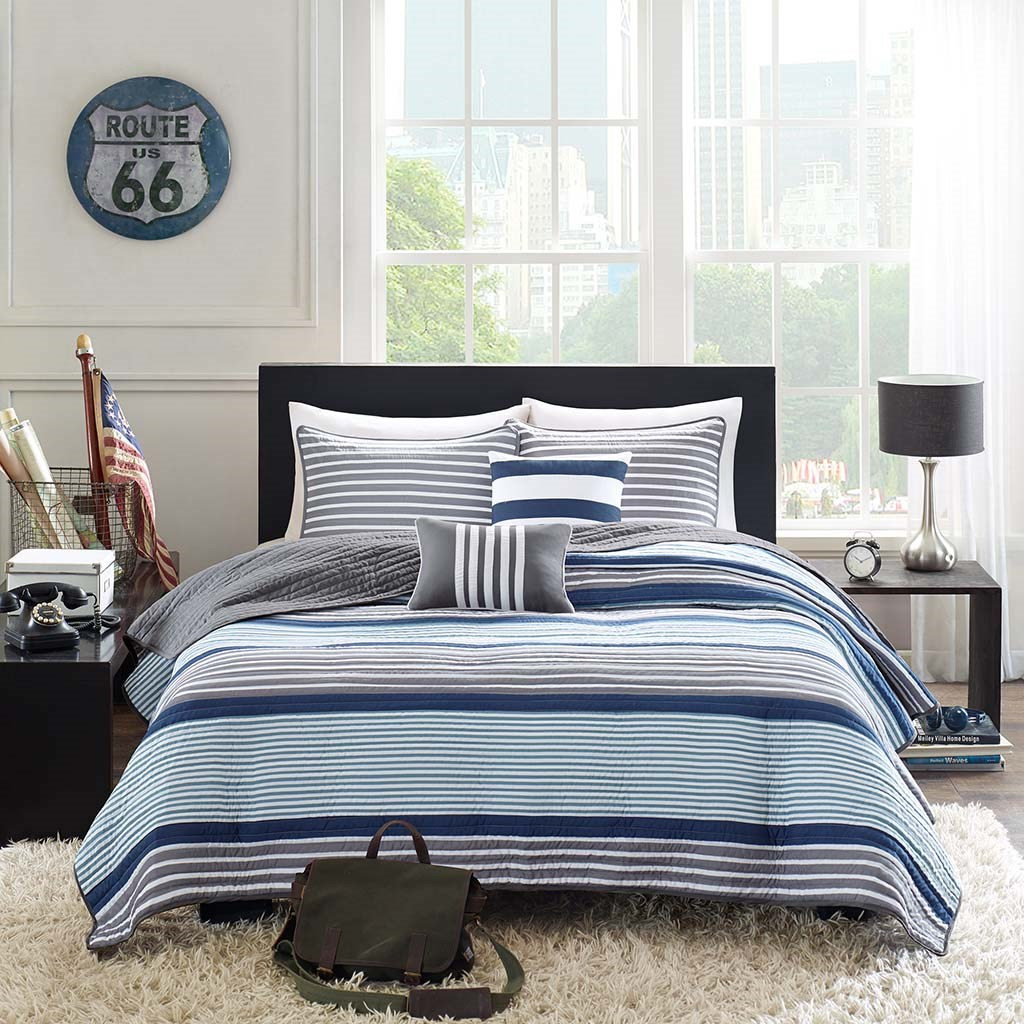 Blue Grey & White Multi-Striped Print Coverlet Quilt Set AND Decorative Pillows (Paul-Blue-cov)