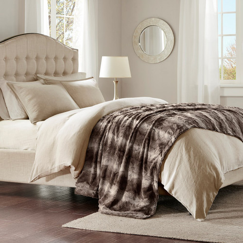 """Brown Oversized Reversible Faux Fur Bed Throw - 96"""" x 80"""" (Zuri Faux Fur-Chocolate-Throw)"""