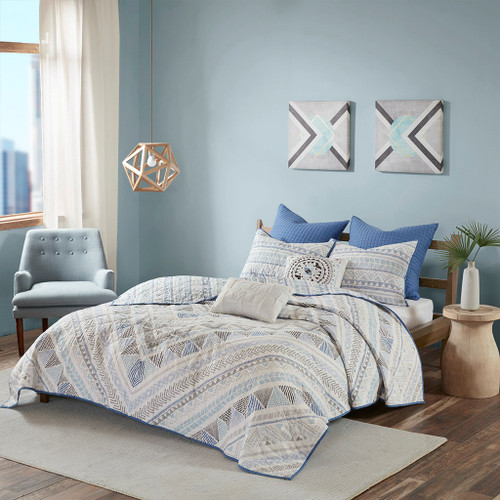 7pc Blue & White Geometric Reversible Coverlet Quilt Set AND Decorative Pillows (Rochelle-Blue-cov)