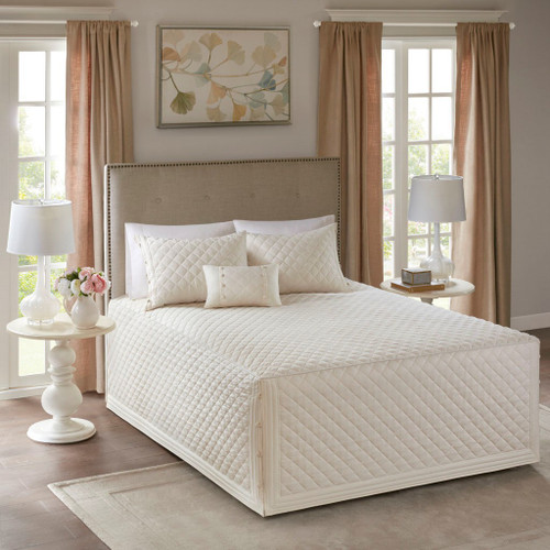 4pc Oversized Ivory Diamond Quilting Bedspread AND Decorative Shams (Breanna-Ivory-Bedspread)