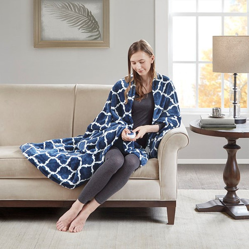 Oversized Dark Blue & White Heated REversible Ogee Throw - 60x70""