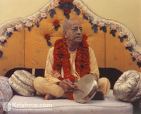 "Srila Prabhupada Photo, Playing Gong, New York, 5""x7"""