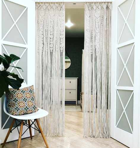 Hanging door curtains