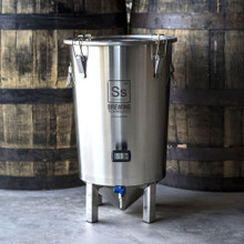7 Gallon Brewmaster Series Brew Bucket