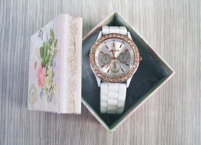 ของขวัญวาเลนไทน์ต้องห้าม-นาฬิกา