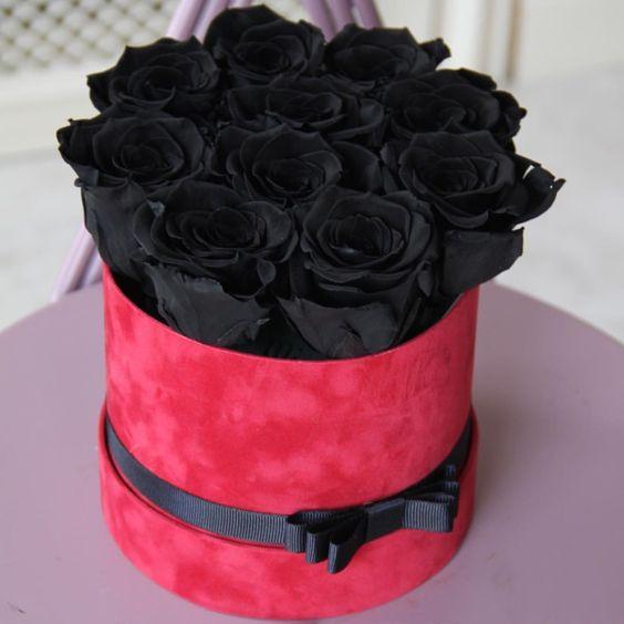 ช่อดอกกุหลาบสีดำ