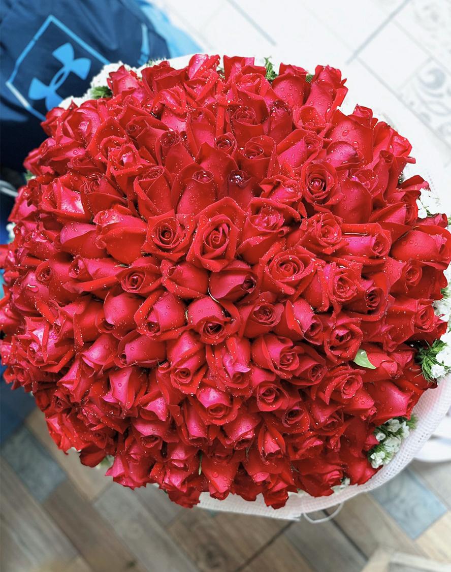 ช่อดอกกุหลาบสำหรับวันวาเลนไทน์จากร้าน FruitNFlora