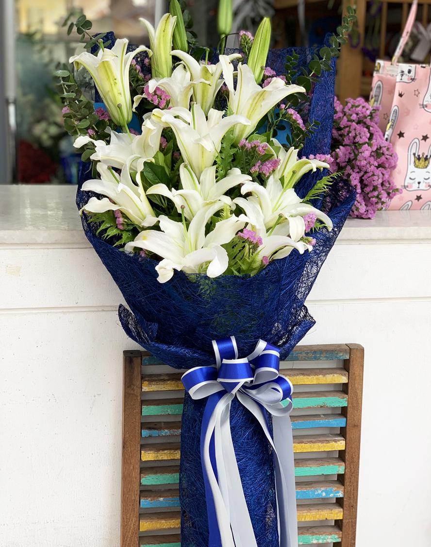 ช่อดอกลิลลี่สำหรับวันวาเลนไทน์จากร้าน FruitNFlora
