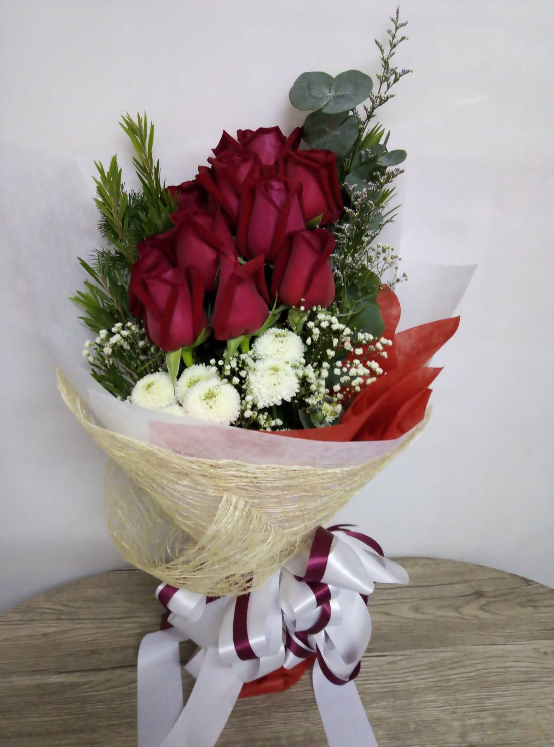 แจกันดอกไม้ไซส์ใหญ่ เลือกใช้ดอกไม้หลากชนิด หลายสีสัน เพื่อความงดงามค่ะ